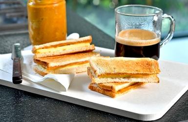 ขนมปังสังขยาสิงคโปร์รสชาไทย