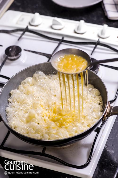 ไข่ฟูกรอบ