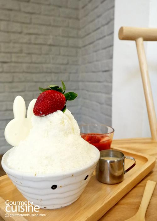 Strawberry Butter Cake Kakigori