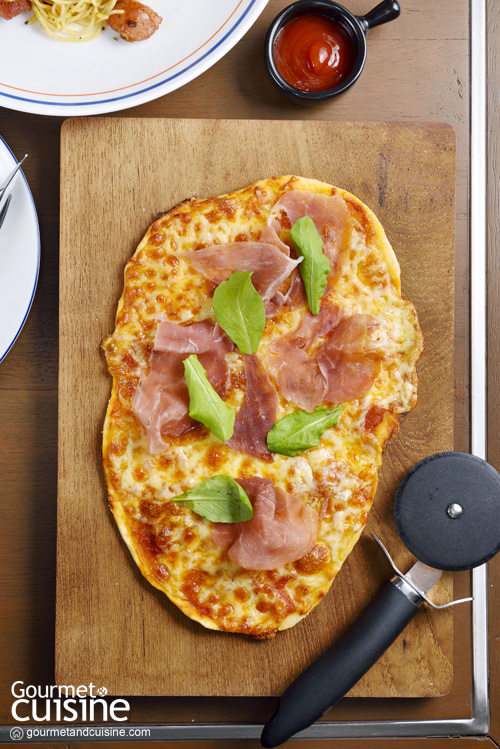 Pizza Parma Ham and Rocket Leaves