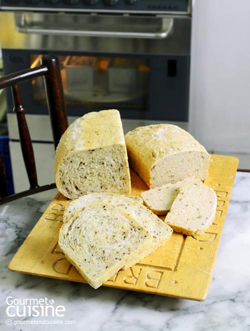 ขนมปังธัญพืช (เนื้อเบา)