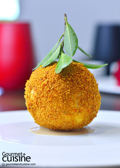 Orange zabaione in crispy orange skin