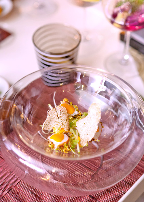 ฟรัวกราสกับซอสมะขามและสับปะรดคอมโพต