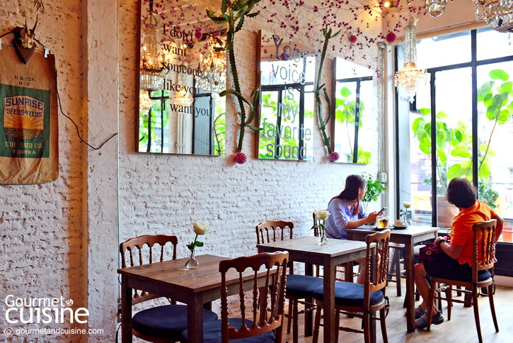 Floral Café at Napasorn