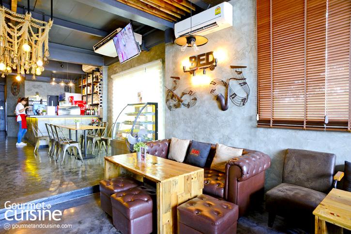 Bed Loft Café