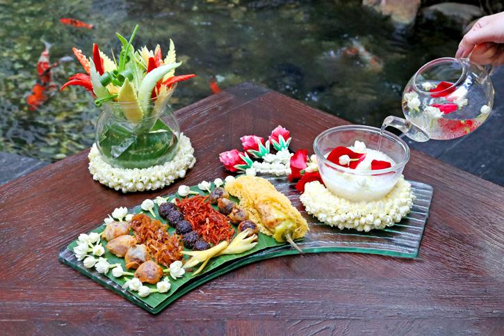 """ลิ้มรสชาติอาหารไทยตำรับโบราณ เย็นฉ่ำชื่นใจกับเมนู """"ข้าวแช่"""" ณ ห้องอาหารสไปซ์ มาร์เก็ต"""