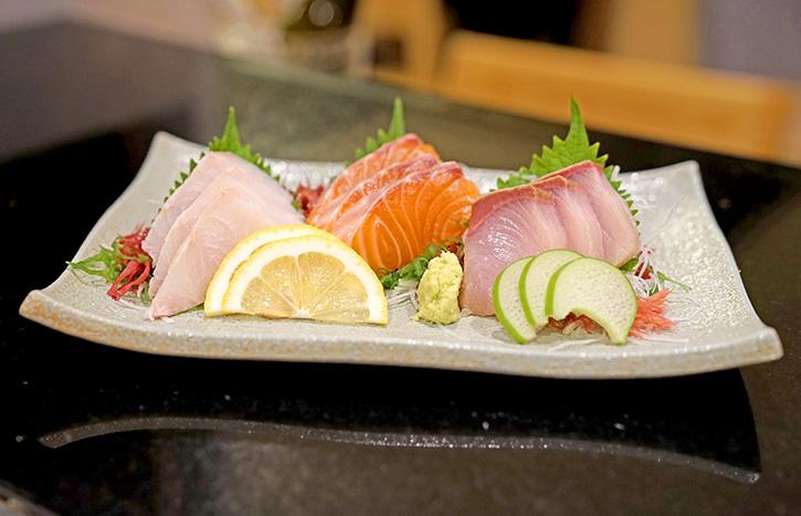 Kensaku ปลาไหลย่างสดสูตรต้นตำรับ