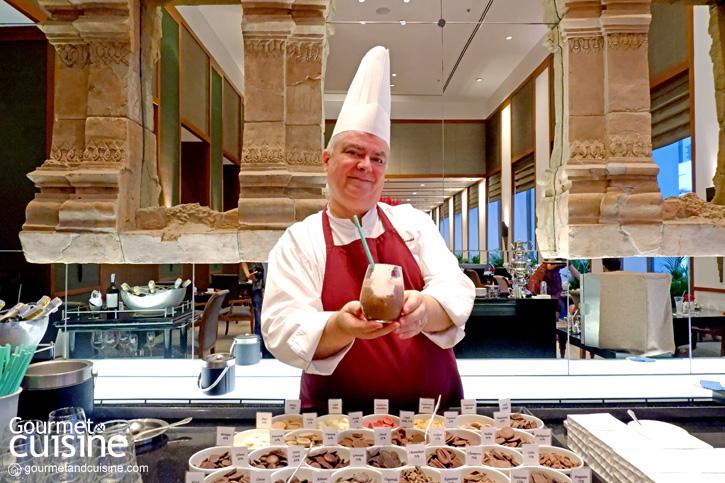 ขนช็อกโกแลตจากทั่วทุกมุมโลก มาไว้ที่โรงแรมสุโขทัย พร้อมเต็มอิ่มกับบุฟเฟต์ช็อกโกแลต white chocolate Milk chocolate dark chocolate  ขนช็อกโกแลตจากทั่วทุกมุมโลก มาไว้ที่โรงแรมสุโขทัย พร้อมเต็มอิ่มกับบุฟเฟต์ช็อกโกแลต  ขนช็อกโกแลตจากทั่วทุกมุมโลก มาไว้ที่โรงแรมสุโขทัย พร้อมเต็มอิ่มกับบุฟเฟต์ช็อกโกแลต Chocolate skewers ขนช็อกโกแลตจากทั่วทุกมุมโลก มาไว้ที่โรงแรมสุโขทัย พร้อมเต็มอิ่มกับบุฟเฟต์ช็อกโกแลต Cheesecake