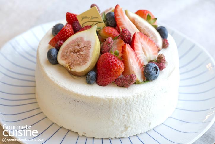 Mixed Berry Shortcake : Yellow Spoon