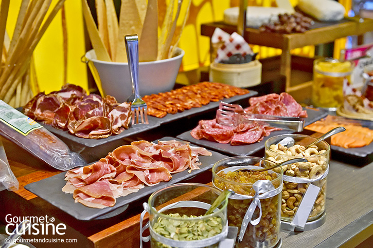 W Does Brunch สนุกสนานกับมื้อสายที่ W Bangkok
