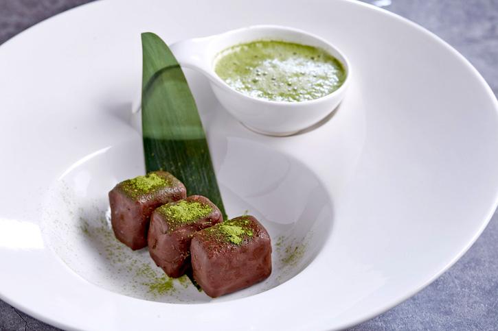 ลิ้มลองขนมหวานรสชาติใหม่ เอาใจคนรักช็อคโกแล็ค ส้มยูซุ และมัทฉะ  ณ ห้องอาหารญี่ปุ่น คิซาระ