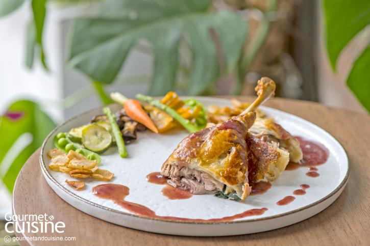 Clay Bangkok ความอร่อยจากธรรมชาติในบ้านหลังใหญ่ใจกลางซอยพหลโยธิน 2