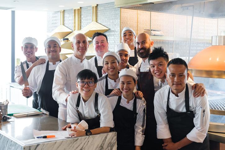 Waldorf Astoria Bangkok ฉลองครอบรอบ 1 ปีด้วยมื้อพิเศษ