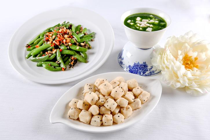 อิ่มเอมไปกับอาหารเจเพื่อสุขภาพหลากหลายเมนูเลิศรส ณ ห้องอาหารจีน แชงพาเลซ และห้องอาหารเน็กซ์ทู คาเฟ่