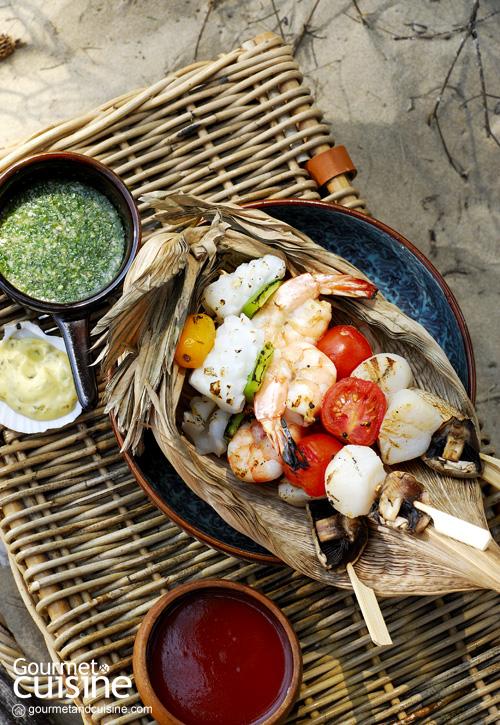 3. บาร์บีคิวซีฟู้ดกับน้ำจิ้ม 3 สี (Seafood BBQ with Assorted Dipping)