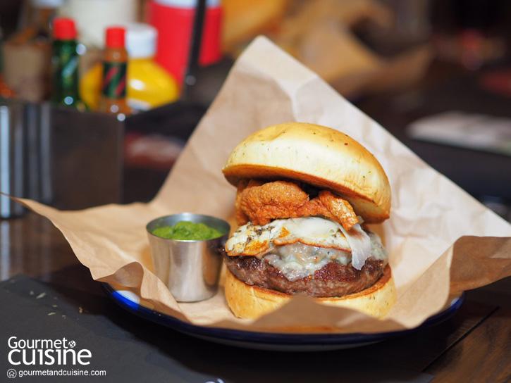 From Farm to Burger เบอร์เกอร์ซอสปลาร้าจากเชฟแบล็ก