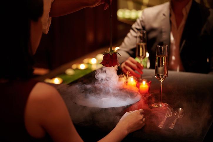 เฉลิมฉลองวันแห่งความรัก กับโปรโมชั่นอาหารมื้อค่ำสุดโรแมนติก  ณ โรงแรมสยามเคมปินสกี้ กรุงเทพฯ