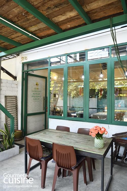 ImmAim Vegetarian And Bike Cafe'
