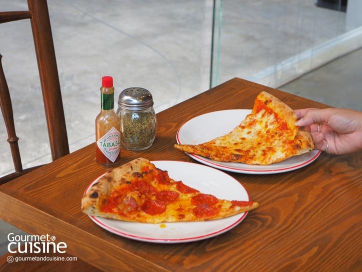 Soho Pizza : พิซซ่าแป้งบางสไตล์นิวยอร์ก