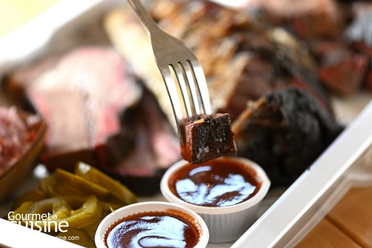 Bun Meat & Cheese x Pit Master : เต็มคำกับเบอร์เกอร์และเนื้อรมควัน