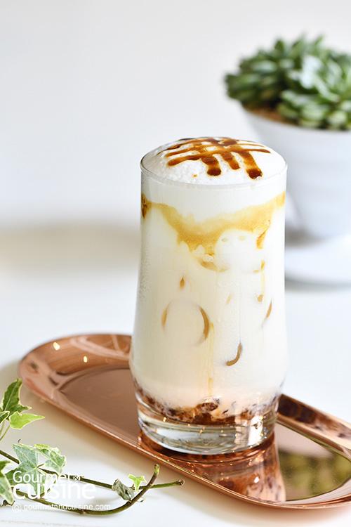Hario Cafe Bangkok แหล่งรวมพลคนรักกาแฟ ย่านโชคชัย 4 ชิลเต็มที่ ตลอด 24 ชั่วโมง