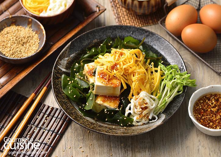 สลัดเต้าหู้ญี่ปุ่นไข่ฝอย 2 สี