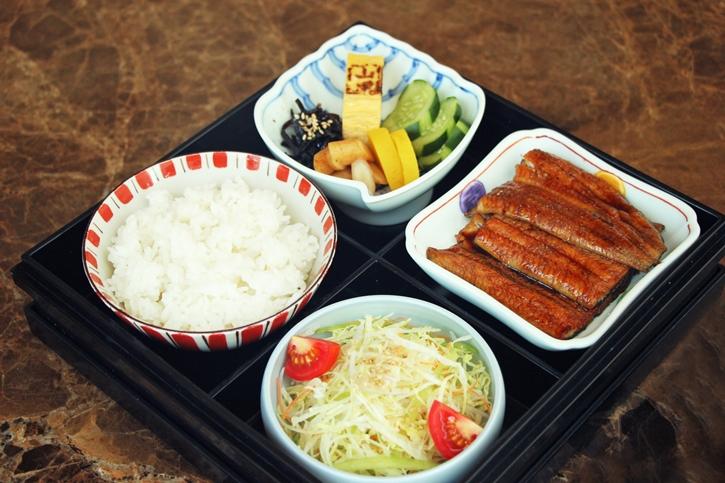 ห้องอาหารยามาซาโตะพร้อมให้บริการเมนูอาหารสั่งกลับบ้าน