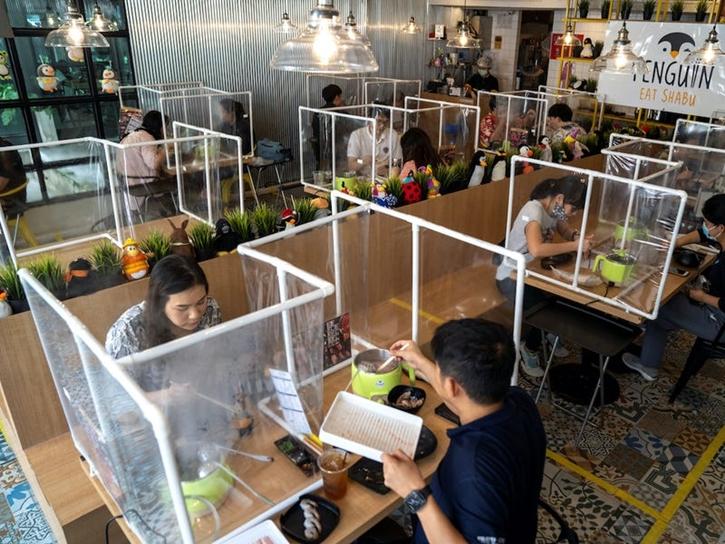 9 ไอเดียเจ๋ง ! สร้าง social distancing ในร้านอาหาร
