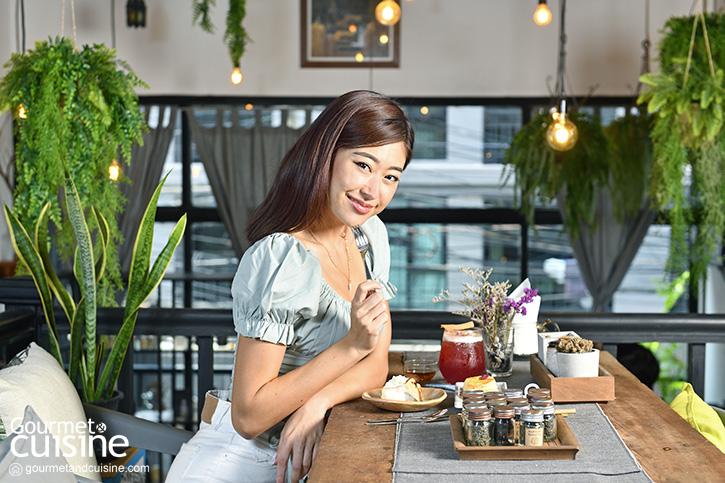 Te Time and Space พื้นที่แสนสุขของคนรักชากลางซอยทองหล่อ 25