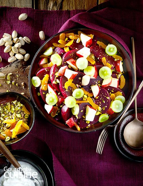 สลัดบีตรูตและผลไม้