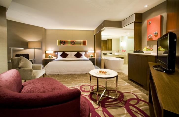 โรงแรมเซ็นทาราแกรนด์ แอท เซ็นทรัลพลาซา ลาดพร้าว กรุงเทพฯ