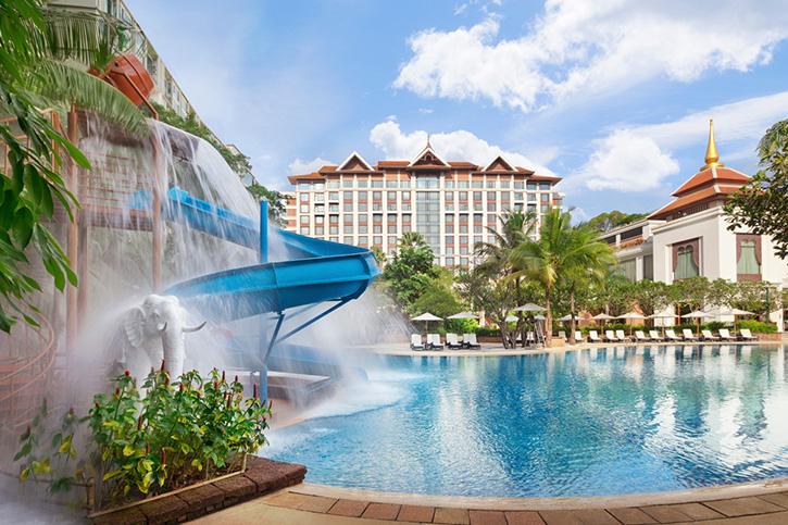 """แพ็กเกจห้องพักหรูสุดพิเศษ """"One For Two"""" เข้าพัก 1 คืน พักฟรีอีก 1 คืน ณ โรงแรมแชงกรี-ลา กรุงเทพฯ หรือ โรงแรมแชงกรี-ลา เชียงใหม่"""