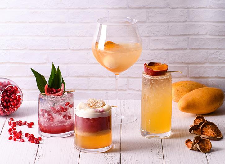 อัพ แอนด์ อะบัฟ บาร์ แนะนำเมนูเครื่องดื่มปรุงจากผลไม้สดจากหลากหลายจังหวัด