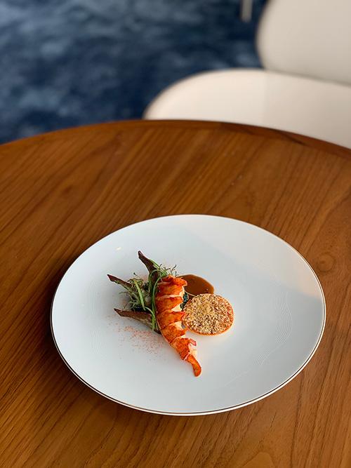 เชิญชวนสัมผัสสุนทรียะแห่งอาหารฝรั่งเศสอันเลิศรส ณ Blue by Alain Ducasse