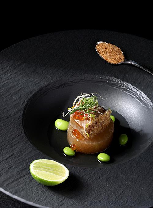รอยัล โอชา อาหารไทยไฟน์ไดนิ่งแห่งใหม่ภายใต้แรงบันดาลใจของเชฟวิชิต มุกุระ