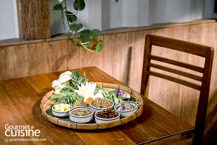 ลิ้มรสอาหารไทยกลางป่าที่ ครูสายฐิพย์ นาคนิวาส