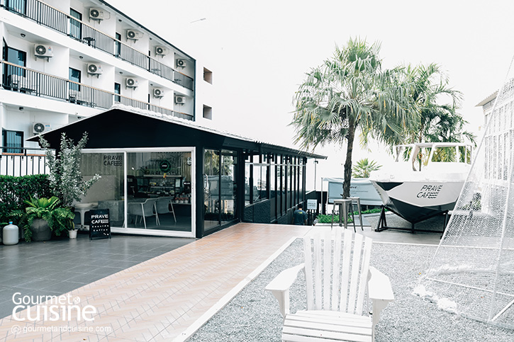 Prave Cafe ศรีราชา คาเฟ่ริมทะเลสไตล์มินิมอล