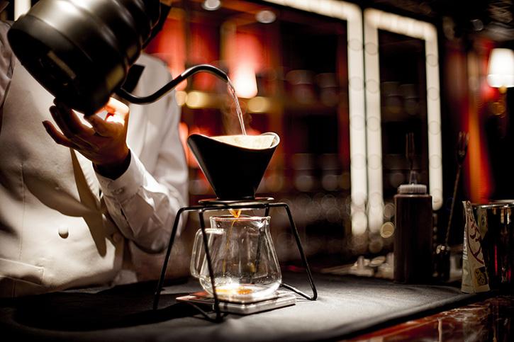 Playroom Café คาเฟ่สุดเซ็กซี่เฉพาะกิจสำหรับคอกาแฟย่านเอกมัย