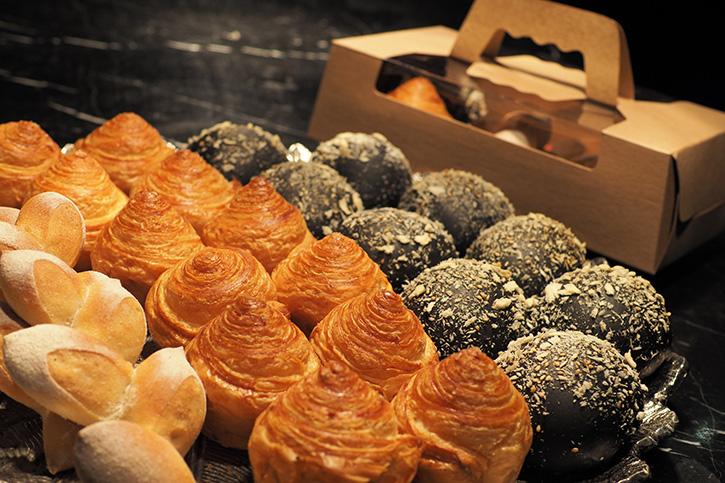 กล่องขนมปังพิเศษจากห้องอาหารเอเลเมนท์สดใหม่จากเตาทุกวัน