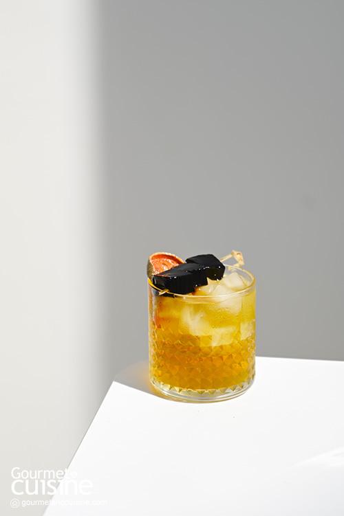 จิบเครื่องดื่มเบาๆ คลอเคล้าเสียงเพลง ที่ Playlistcafe ลาดกระบัง