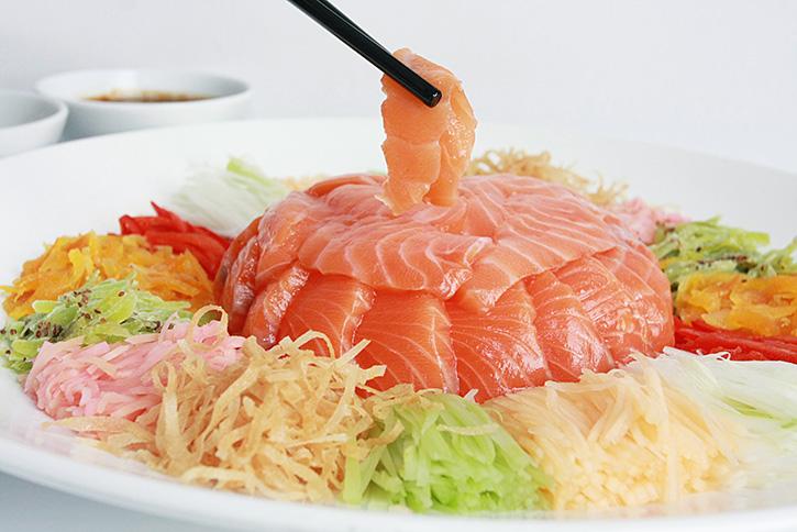 ฉลองตรุษจีนรับศักราชปีหนูทองกับชุดอาหารมงคล  ที่ห้องอาหารโกลเด้น วิลเลจ โรงแรมโนโวเทล สุวรรณภูมิ แอร์พอร์ต