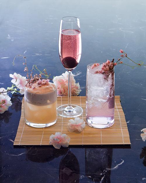 อัพ แอนด์ อะบัฟ บาร์ แนะนำเครื่องดื่มต้อนรับเทศกาลดอกซากุระบาน