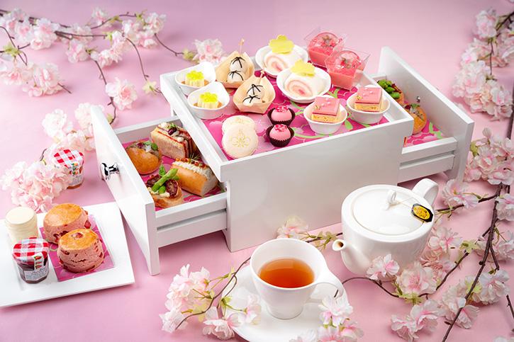 กลับมาอีกครั้ง ชุดน้ำชายามบ่ายสีชมพูในธีมซากุระ ที่โรงแรม ดิ โอกุระ เพรสทีจ กรุงเทพฯ