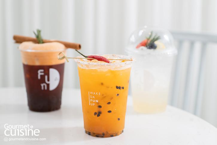 """""""FUN Cafe Bangkok"""" คาเฟ่สีขาวที่พร้อมชวนก้าวเข้าสู่ความฝันแห่งหัวลำโพง"""