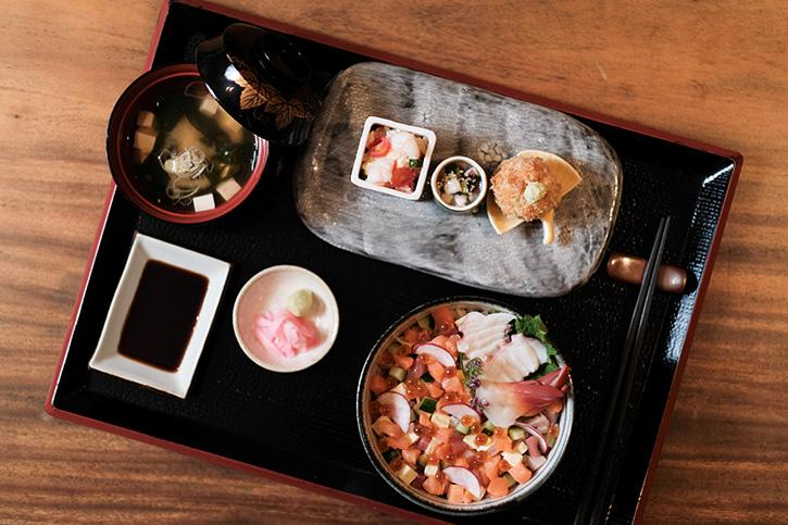 เซตเมนูมื้อกลางวันแบบดั้งเดิม (เทโชคุ) สุดคุ้ม ที่ห้องอาหารคินสุกิ แบงค็อก บาย เจฟ แรมซีย์