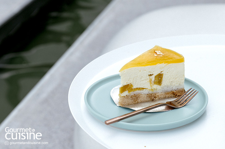 Mango Sticky Rice Cheese Cake