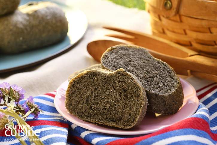 ปังงา...ด๊ำดำ Black Sesame Bread