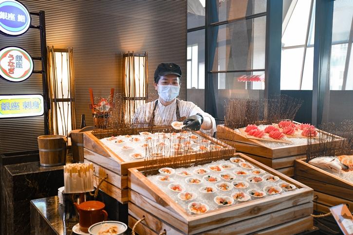 บุฟเฟต์อิซากายะสไตล์ญี่ปุ่นที่ โรงแรมดิโอกุระ