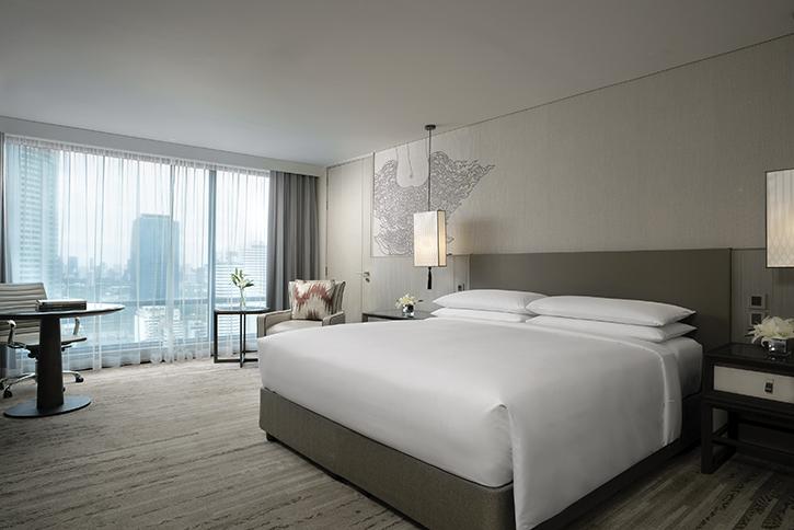 """พบกับข้อเสนอสุดพิเศษ """"5 Nights and More"""" เพื่อความสะดวกสบายสูงสุดเมื่อเข้าพักในโรงแรม แบงค็อก แมริออท มาร์คีส์ ควีนส์ปาร์ค"""