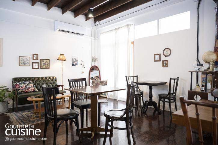 Knock Knock Café & Bar โฮมคาเฟ่สีขาวในซอยอารีย์ที่มีพาสตาแสนอร่อยซ่อนอยู่